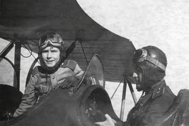 Аркадий Каманин: чем прославился самый молодой лётчик Второй мировой войны | Русская семерка