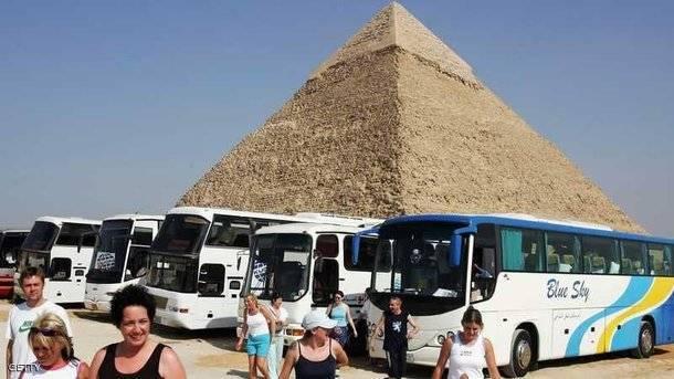В Египте произошел взрыв рядом с туристическим автобусом, пострадали более 10 человек