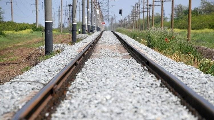 <p>Где дорога, там и путь: как в Крыму готовятся к пуску поездов по ж/д мосту</p>