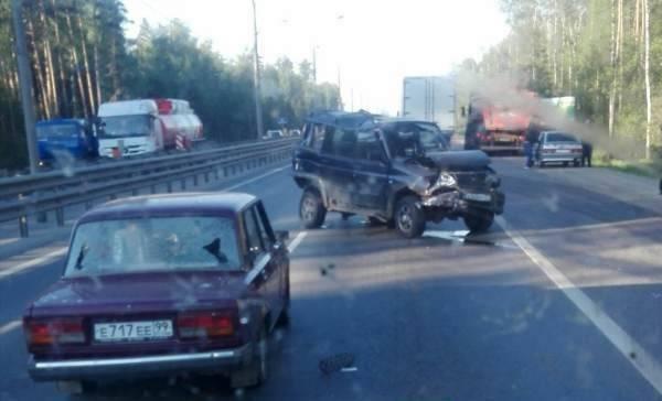 Семь автомобилей столкнулись в Подмосковье