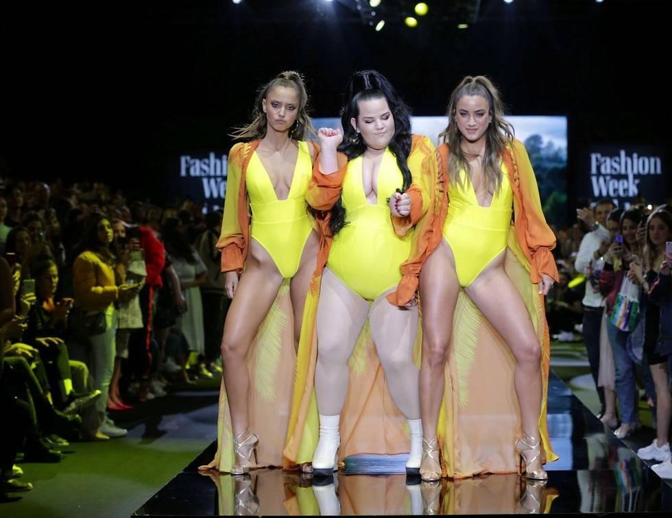 Новая мода в Израиле: пышки в купальниках