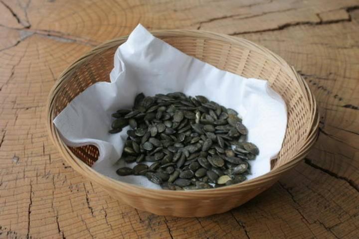 Эксперты рассказали о вреде подсолнечных семечек: фото и иллюстрации