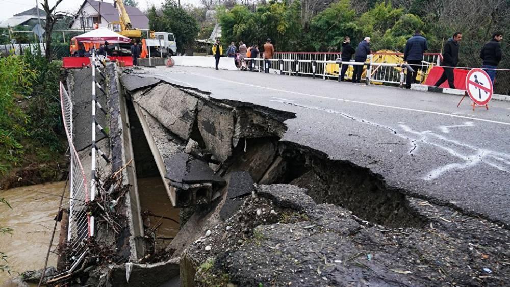 Два автомобильных моста разрушены на Кубани в результате подтопления