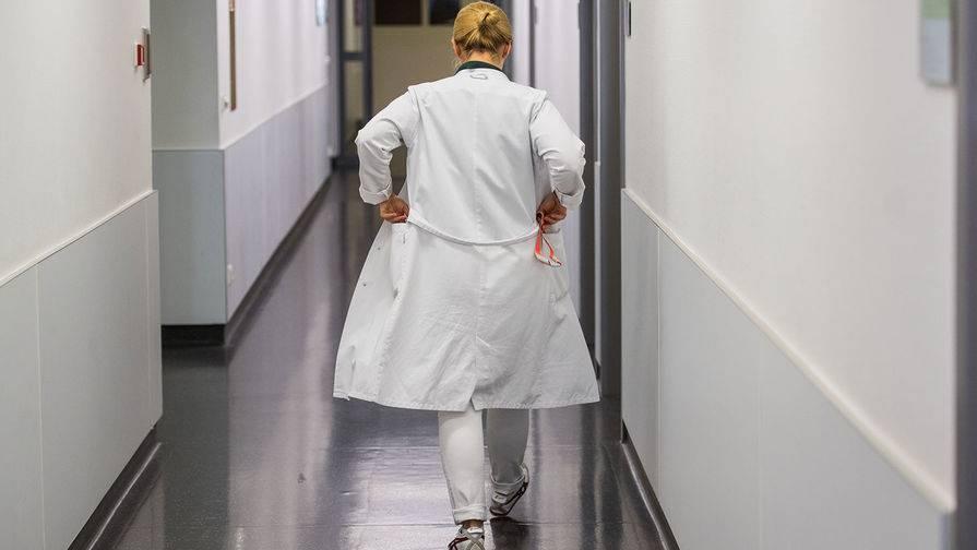 Прекращено уголовное дело женщины, бросившей дочь в поликлинике в Москве