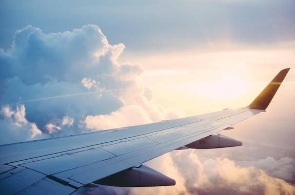 Самолет, летевший в Москву, по техническим причинам вернулся в Нур-Султан