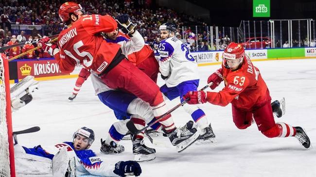 Россия выиграла у Швеции и сыграет в четвертьфинале с США