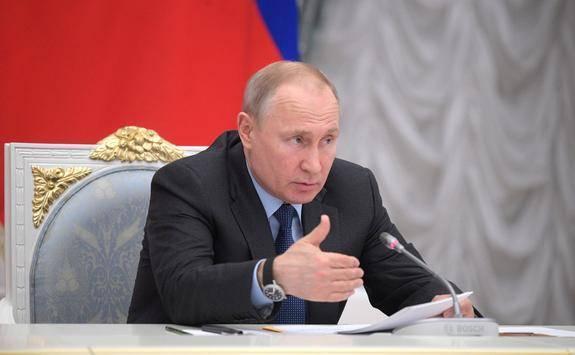 Путин провел телефонные переговоры с Меркель и Макроном
