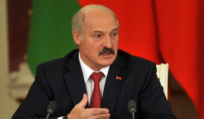 <p>Промотавшего миллиарды Лукашенко отправили в отставку</p>