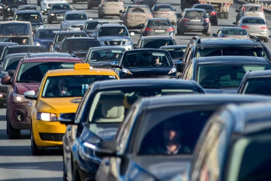 После 15:00 столичные дороги будут загружены