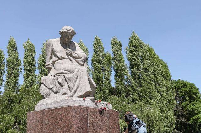 В Берлине осквернили памятник на территории советского мемориала