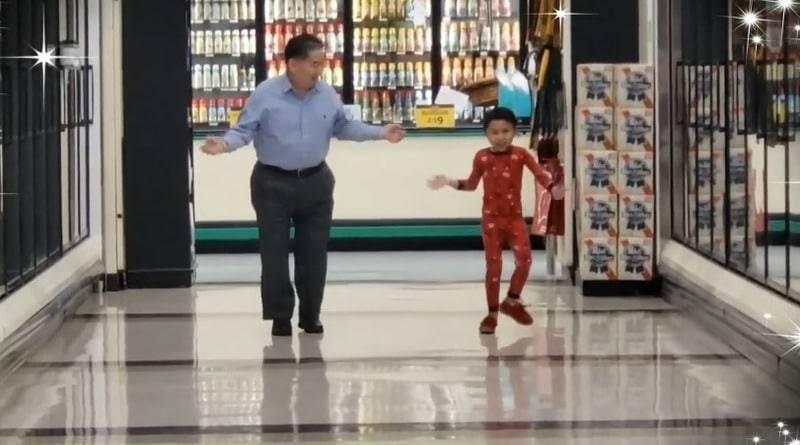 Тысячи просмотров: 5-летний мальчик, которому предстояла операция, попросил дедушку станцевать с ним в магазине