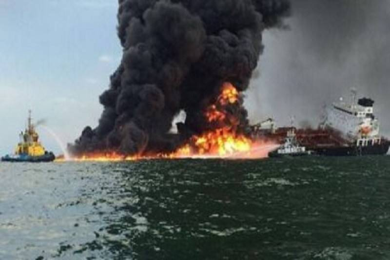 Британия заняла позицию США по вопросу нападения на нефтетанкеры в Оманском заливе: фото и иллюстрации