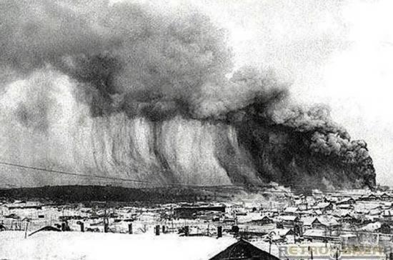 Самое страшное цунами в истории Японии: фото и иллюстрации