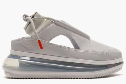 Nike выпустил кроссовки вформе утюга иразъярил женщин: фото и иллюстрации