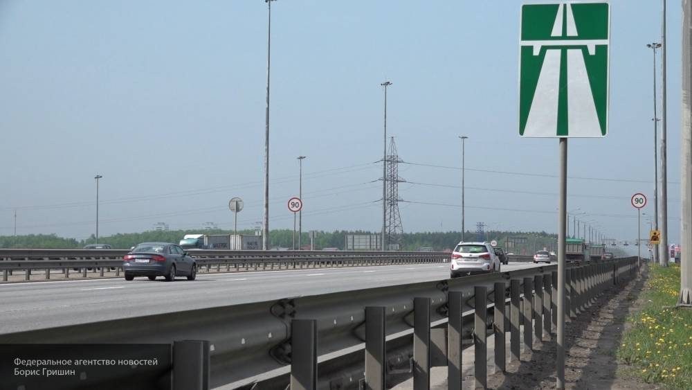 В Росавтодоре не поддержали идею повысить скоростной лимит на дорогах до 130 км/ч: фото и иллюстрации