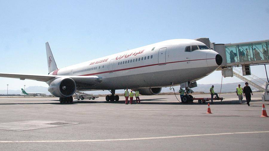 Самолет Алжир-Москва вернулся в аэропорт из-за поломки: фото и иллюстрации