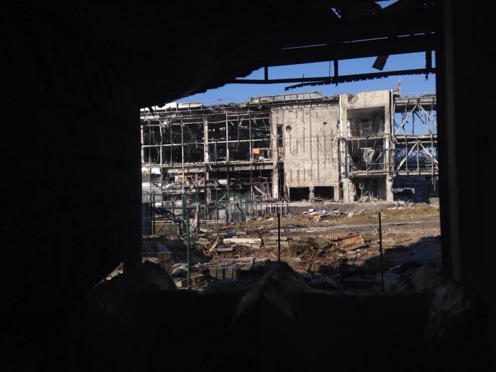 Обстрел Донецка: В Донецке раздается мощнейшая канонада: в районе аэропорта завязался сильный бой: фото и иллюстрации