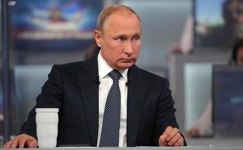 Более миллиона обращений поступило на прямую линию с Владимиром Путиным: фото и иллюстрации