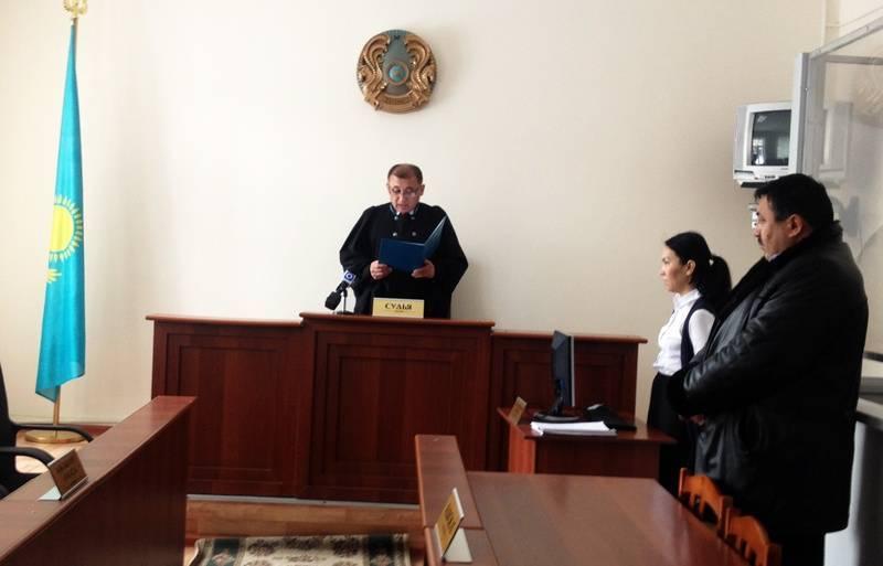 Судья выносит пожилой леди приговор, то что сказал ее муж – это нечто!: фото и иллюстрации
