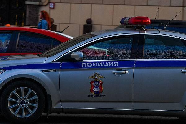Полицейский сбил трех пешеходов на пешеходном переходе: фото и иллюстрации