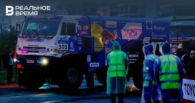 Экипаж Шибалова победил на восьмом этапе ралли «Шелковый путь»: фото и иллюстрации