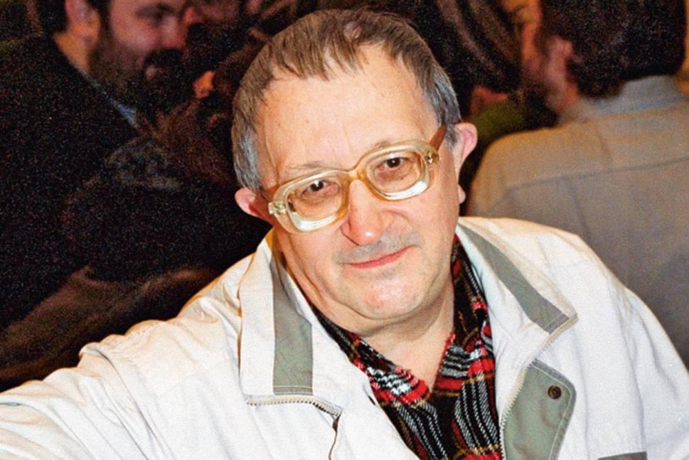 Власти Петербурга потребовали справку о том, что Борис Стругацкий был писателем, для установки мемориальной доски: фото и иллюстрации