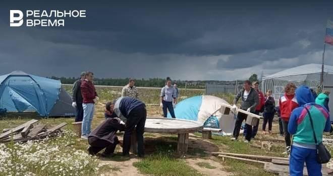 Дольщиков ЖК «Яшьлек» попросили свернуть палаточный лагерь: фото и иллюстрации