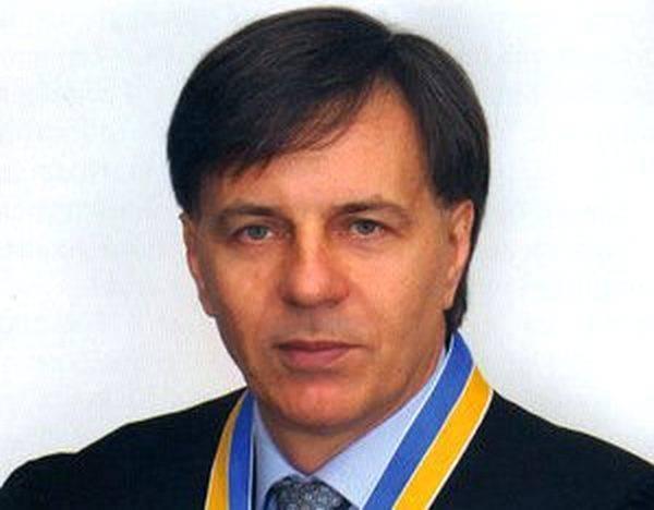 Судья Высшего хозсуда Украины Владимир Карабань: «карманный судья» при любой власти: фото и иллюстрации