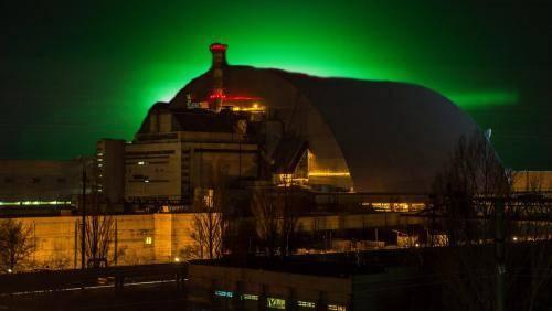 Открылся портал в ад! Зелёное свечение над Чернобылем напугало туристов-нелегалов: фото и иллюстрации
