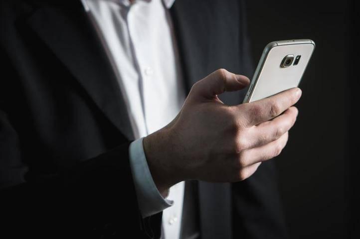 «Роскачество» рассказало, как распознать телефонных мошенников: фото и иллюстрации