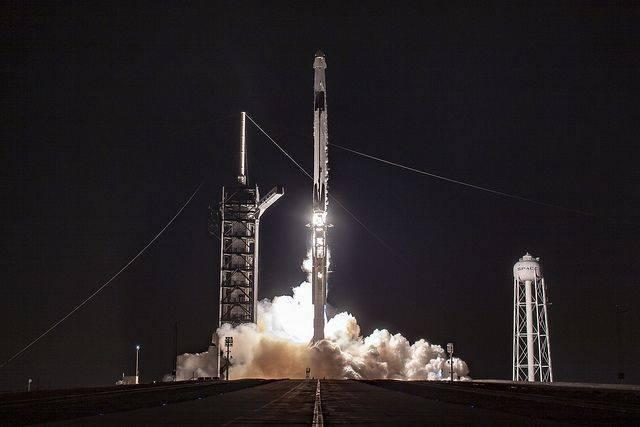 В SpaceX озвучили причину взрыва на Crew Dragon при наземных испытаниях: фото и иллюстрации