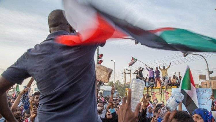 Оппозиция Судана ответила на проект конституционной декларации: фото и иллюстрации