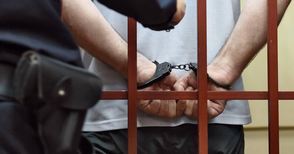 Дело таможенников: один из обвиняемых отправлен на принудительное лечение в Шымкент: фото и иллюстрации