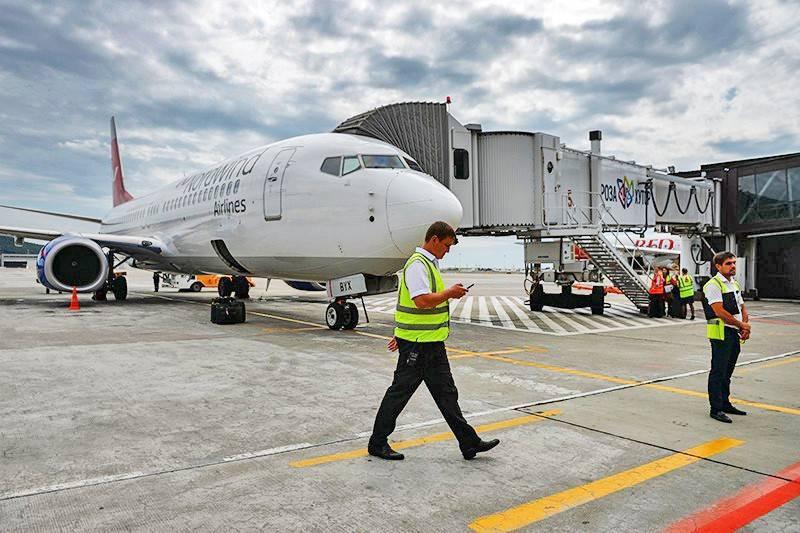 """Что произошло на борту аварийного Boeing в """"Шереметьево"""": фото и иллюстрации"""