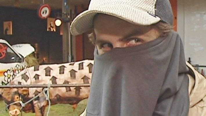 Британский телеканал нашел в архиве предполагаемое интервью с художником Бэнкси