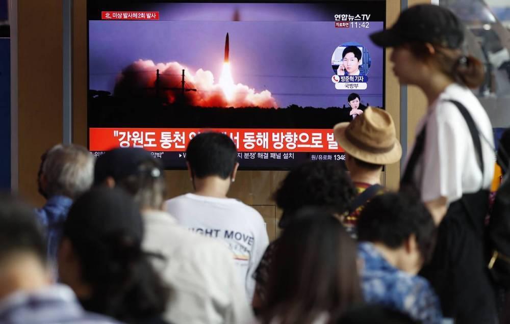 СМИ: КНДР провела очередной запуск баллистических ракет малой дальности: фото и иллюстрации