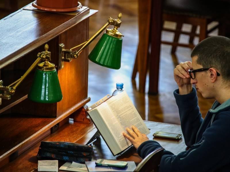 Умная полка появится в библиотеке Москвы