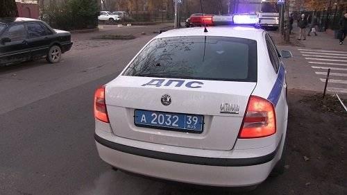 В Ижевске пьяный водитель на мопеде сбил сотрудника полиции: фото и иллюстрации