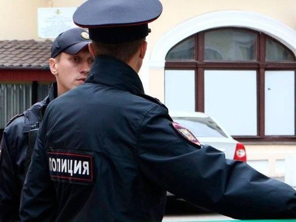 Полиция задержала оппозиционеров на праздничном митинге в Москве: фото и иллюстрации