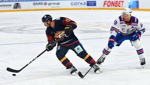 Козун дисквалифицирован на два матча КХЛ за атаку на арбитра: фото и иллюстрации