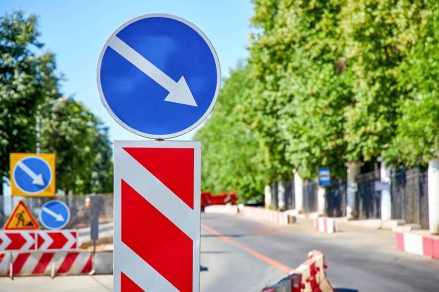 Движение на Семеновской набережной ограничили до конца сентября