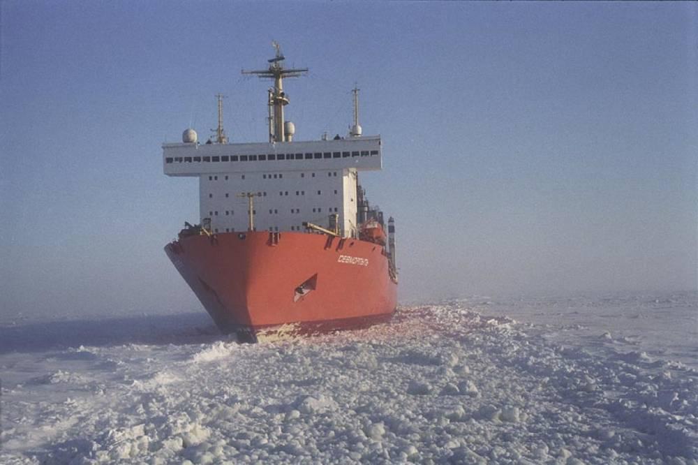 """Реакция в Норвегии на неполную загрузку атомного контейнеровоза """"Севморпуть"""" дальневосточной рыбой"""