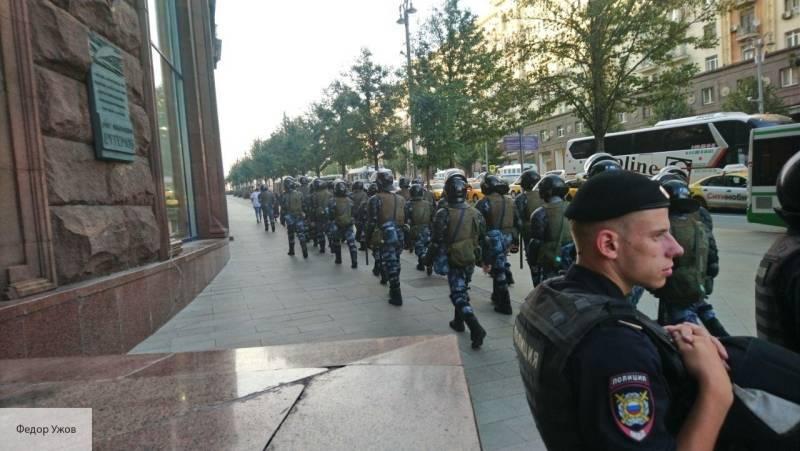 Законные требования полиции должны выполняться – адвокат Мельников о деле Устинова: фото и иллюстрации