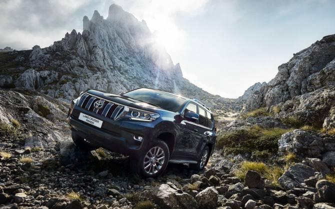 Обладатели LC Prado и Hilux – самые возрастные среди всех владельцев Toyota: фото и иллюстрации