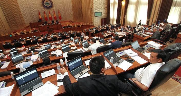 В Кыргызстане назначена дата повторных выборов в парламент