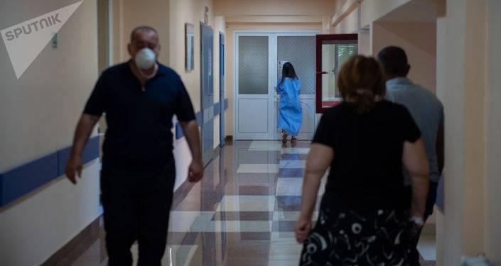 Рекордное количество смертей от COVID-19 в Армении, умер 16-летний ребенок - Минздрава