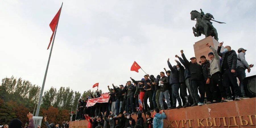 В Кыргызстане назначили повторные парламентские выборы