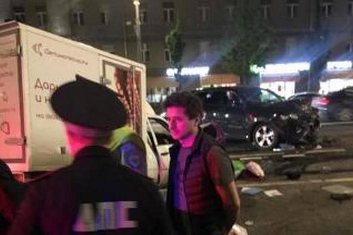 Актер Иван Сте**нов попал – свидетель сообщил, что за рулем машины Ефремова был