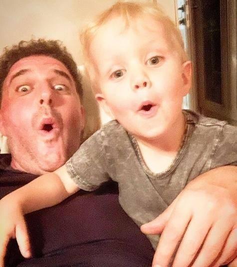 жаркий ксения собчак опубликовала новое фото сына платона как-то армейском вагончике