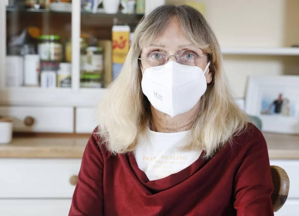 Хаос и бюрократия: пенсионеры приходят на вакцинацию, но их отправляют домой ни с чем